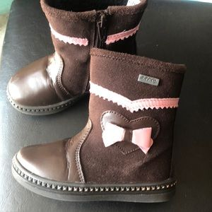 Baby's boots. Size 24.